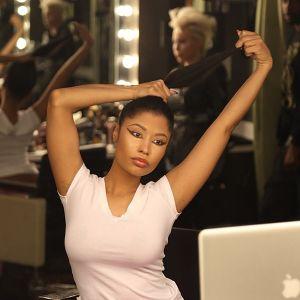 Nicki-Minaj-shows-off-real-hair-on-Instagram-4