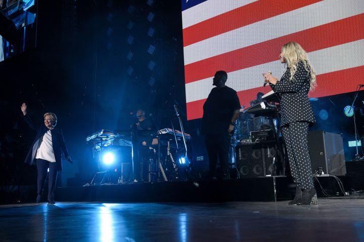 Jay Z & Beyonce hit the stage at CSU for 'Get Out The Vote' [Photos]