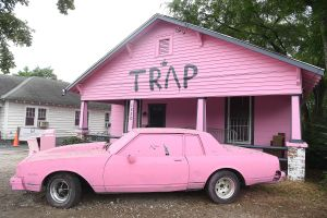 2 Chainz Paints Home Pink In Atlanta For 'Pretty Girls Like Trap Music' Listening Party