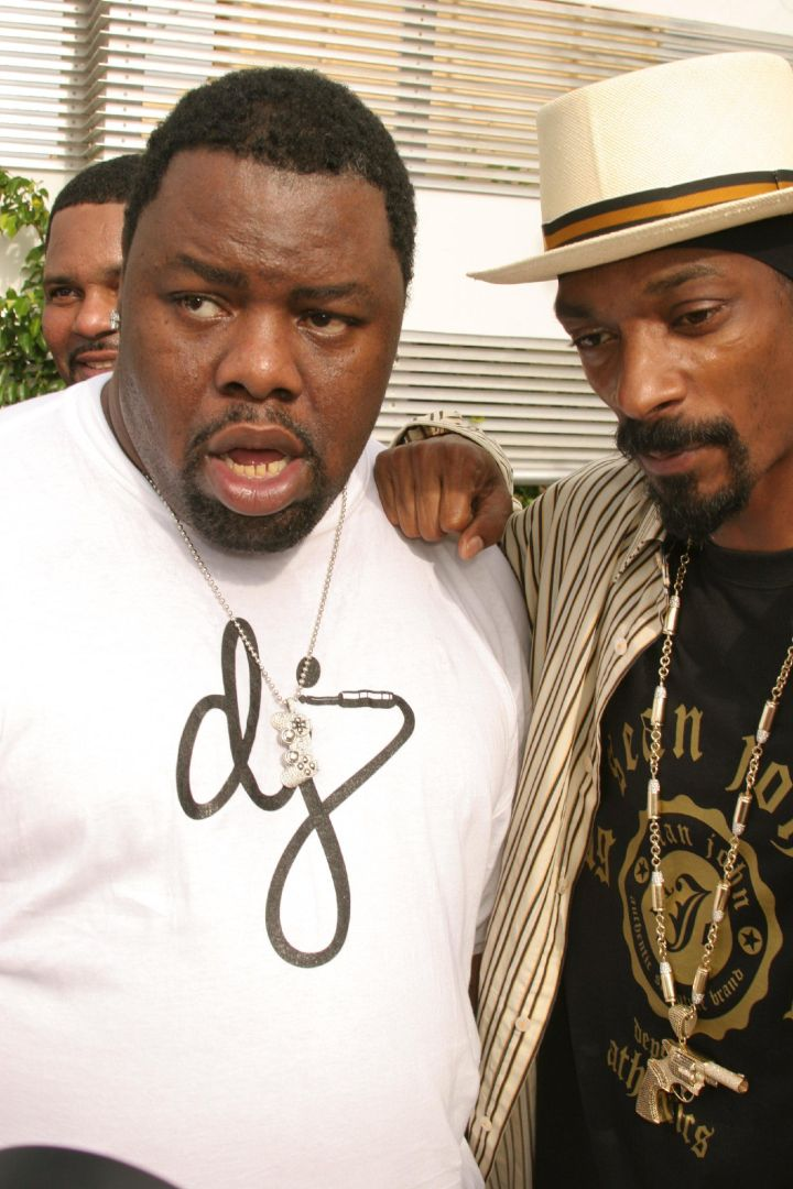 Biz and Snoop at an MTV Pool Party in 2005